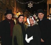 The Christmas Carolers 2017 484x433